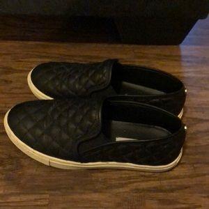 Steve Madden black slip on sneakers size 6